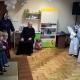 Przedszkolaki świętują 80-te urodziny ks. Prałata Kazimierza Golenii